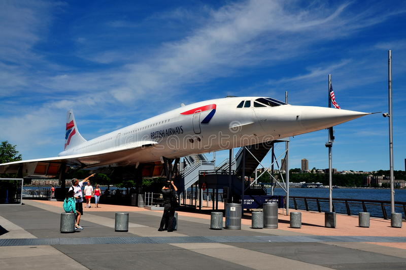 NYC: Αεροσκάφη Concorde στο απτόητο μουσείο στοκ φωτογραφία