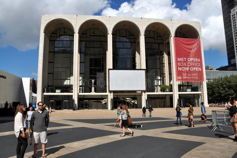 NYC: Встрещенный оперный театр на центре Lincoln стоковое изображение rf