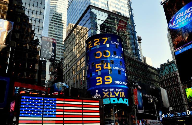 NYC:  Знак Таймс площадь и NASDAQ стоковое изображение