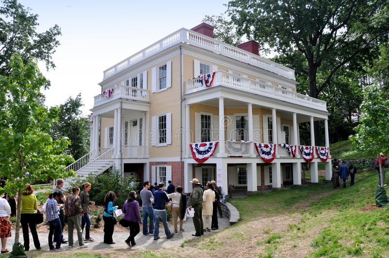 NYC: 1802 Hamilton Grange. Crowds line up to visit Alexander Hamilton's restored 1802 federal-style home, The Grange, on its 17 September 2011 opening day royalty free stock image