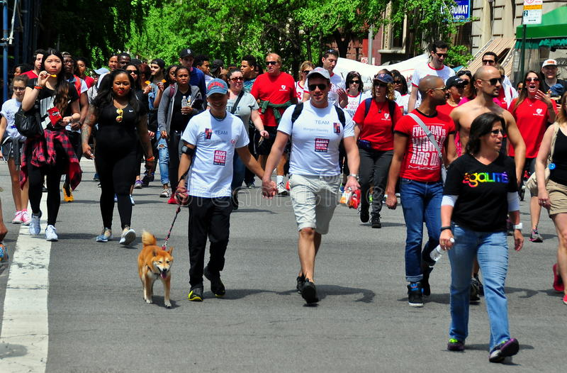 NYC: AIDS-Gang 2014 Leurders stock foto