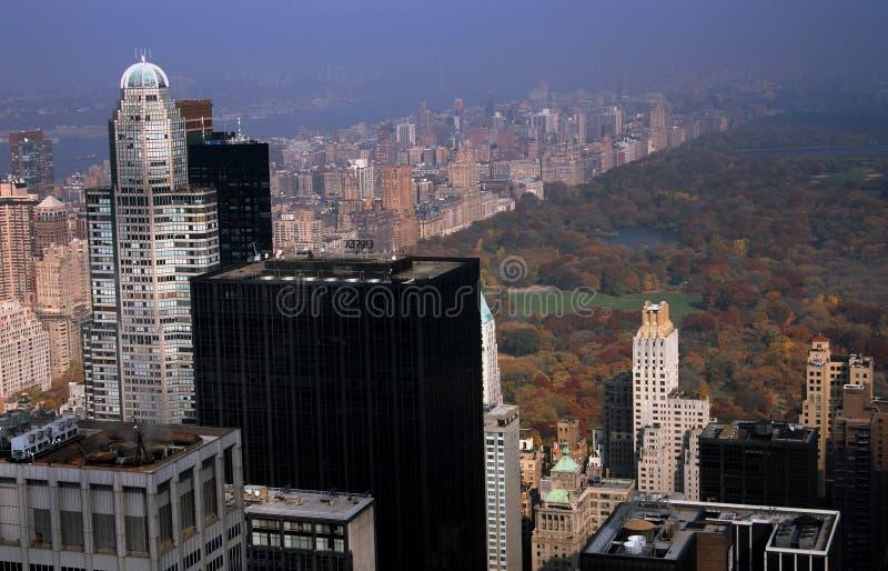 NYC: Central- Parkund Midtown-Kontrolltürme stockfotos