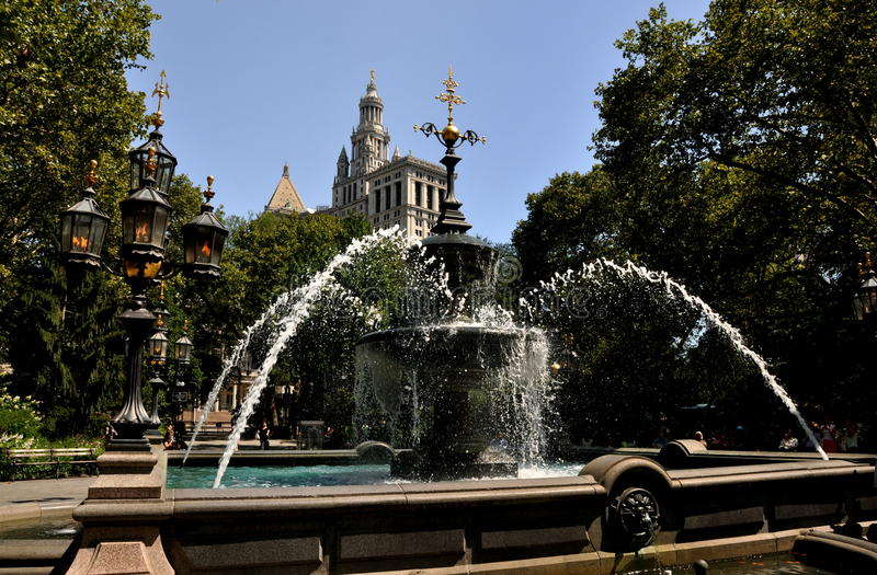 Download NYC: City Hall Park Fountain Editorial Stock Photo - Image: 26416103