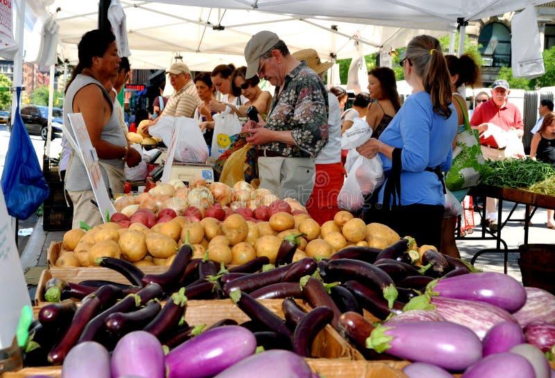 NYC: Columbus Avenue Farmer s Market