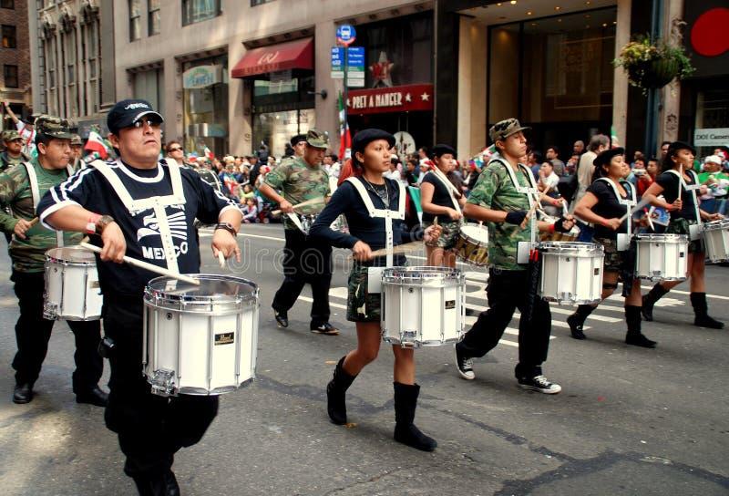 NYC: De Mexicaanse Parade van de Dag van de Onafhankelijkheid royalty-vrije stock afbeeldingen
