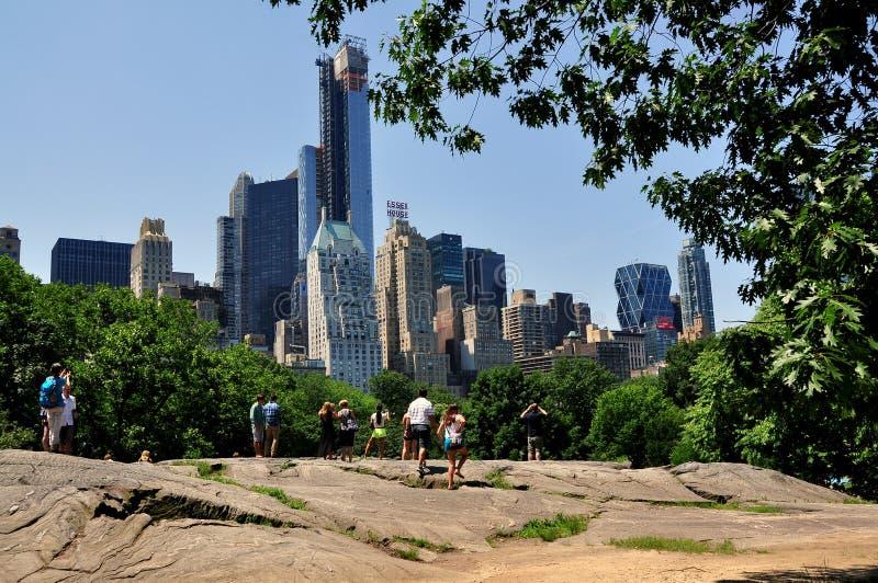 NYC: De uit het stadscentrum Horizon van Manhattan royalty-vrije stock foto