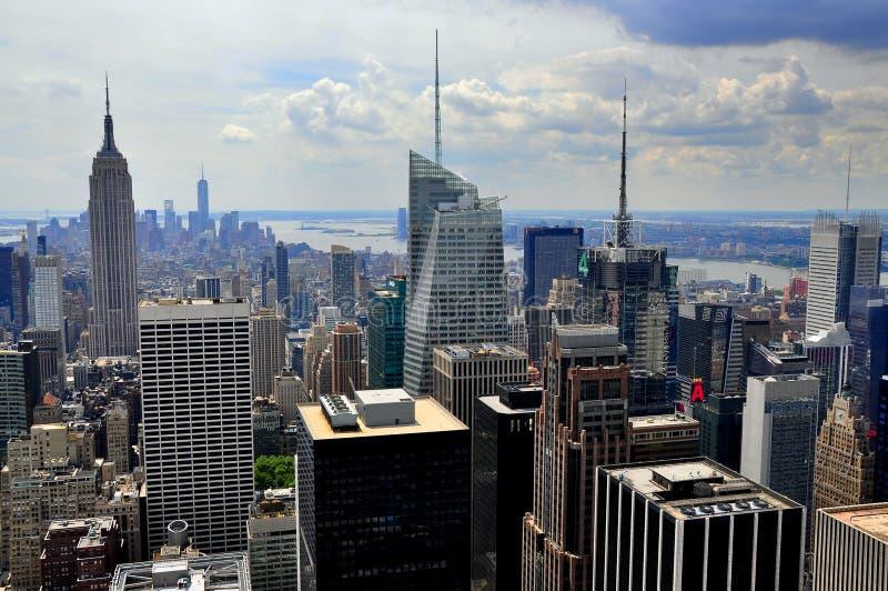 NYC: De uit het stadscentrum Horizon van Manhattan royalty-vrije stock afbeelding