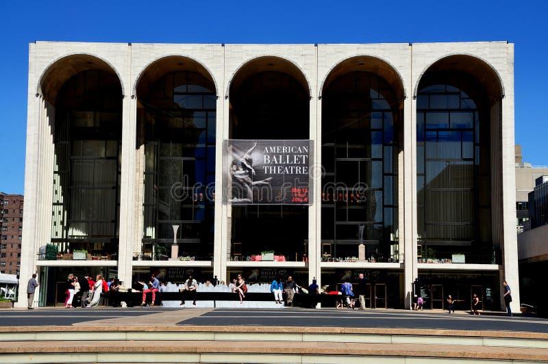 NYC:  Det Metropolitan Opera huset arkivbild