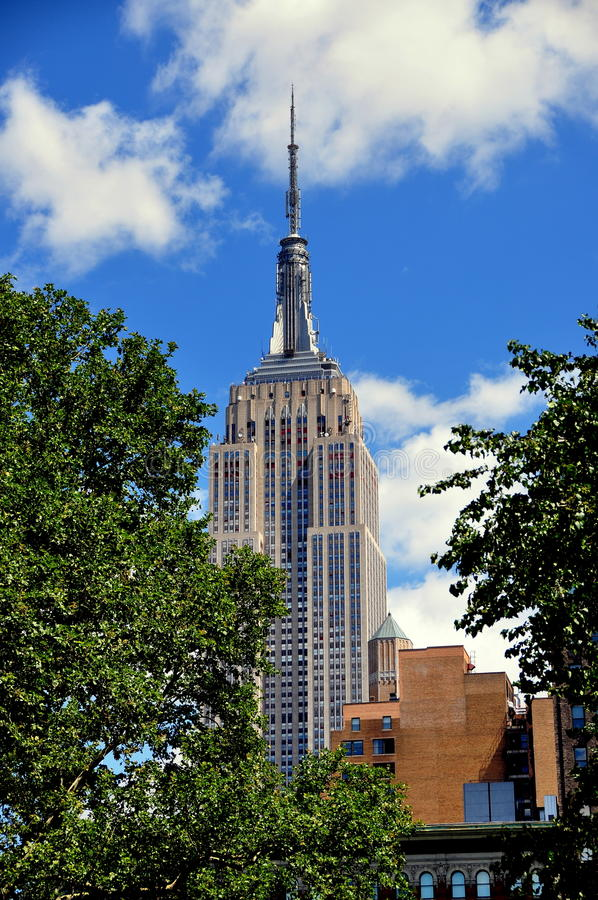 Download NYC:  Empire State Building Editorial Stock Photo - Image: 32810048