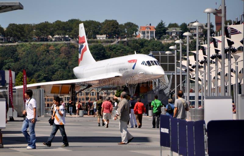 nyc för flygplanconcorde intrepid museum royaltyfria foton