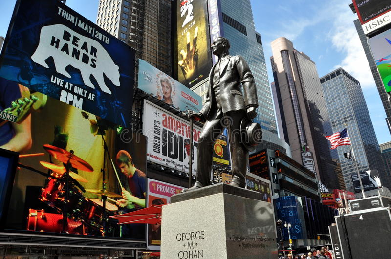 Download NYC: George M. Cohan Statue In Times Square Editorial Image - Image: 14323215