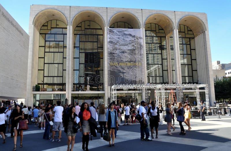 NYC: Het metropolitaanse Huis van de Opera - de Week van de Manier stock fotografie