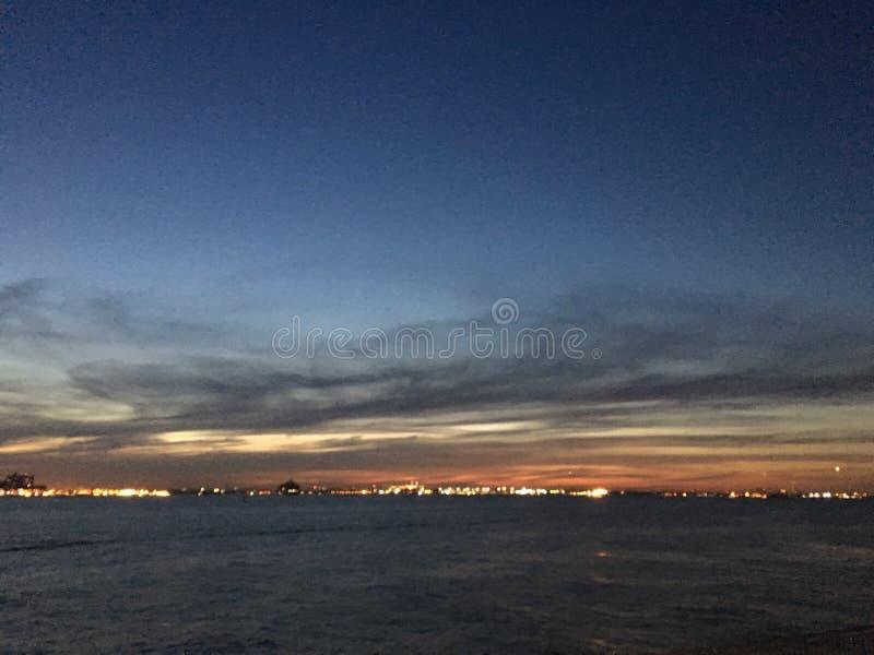NYC-himmel fotografering för bildbyråer