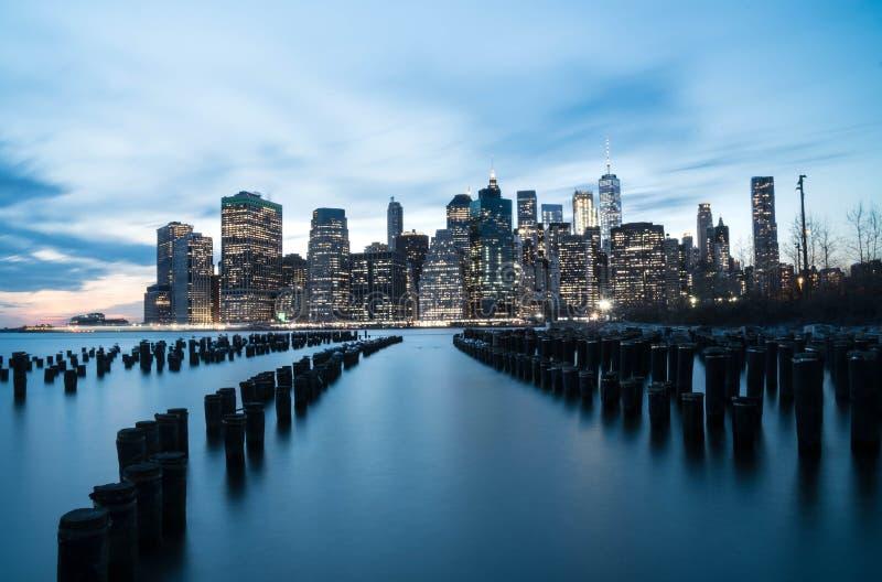 NYC-horisont Suset royaltyfri foto