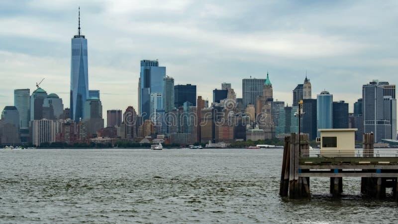 NYC-Horizon van Eiland royalty-vrije stock afbeeldingen