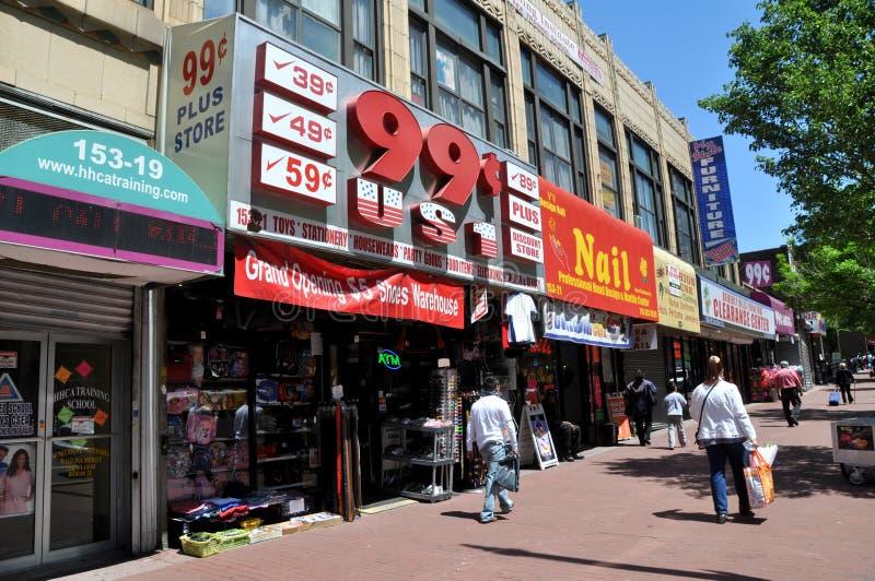 NYC: Lojas da avenida de Jamaica foto de stock royalty free