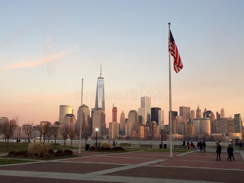 NYC op een zonsondergang royalty-vrije stock afbeelding