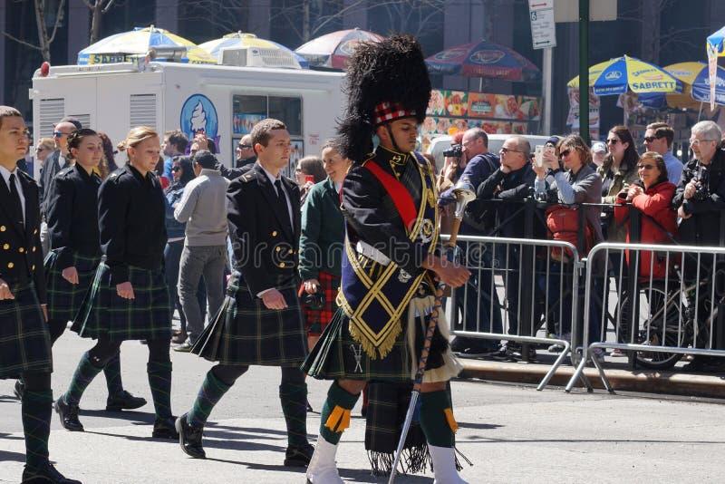 2015 NYC Parade 11 van de Geruit Schots wollen stofdag royalty-vrije stock afbeeldingen