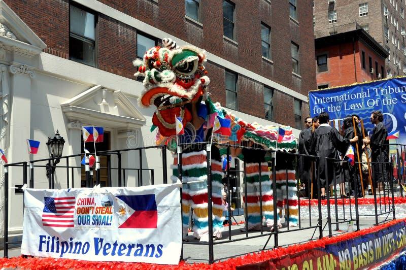 NYC: Parata di festa dell'indipendenza delle Filippine fotografie stock