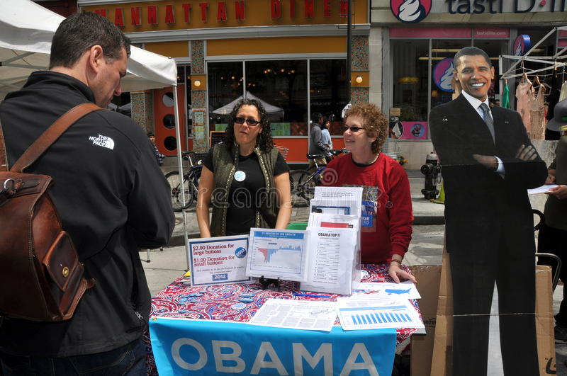 NYC: People Campaigning for Obama