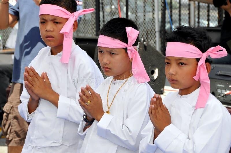 NYC : Petits garçons au festival birman de l'eau photos stock