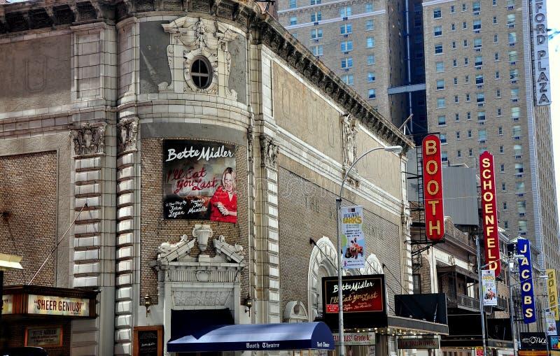 NYC : Quarante-cinquième théâtres occidentaux de Broadway de rue photographie stock