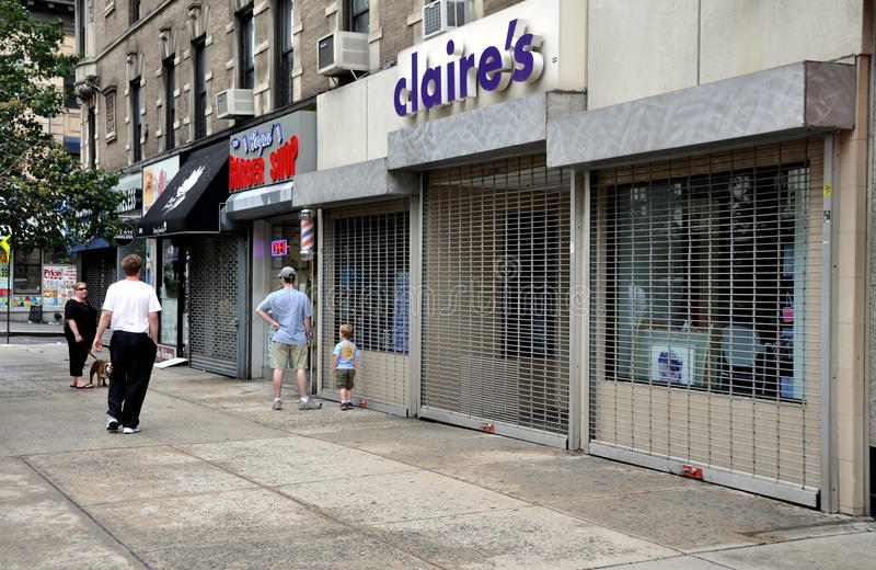 Download NYC: Shuttered Stores Due To Hurricane Editorial Stock Photo - Image: 20910208