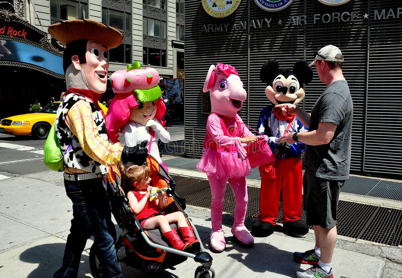 Download NYC: Times Square Disney Characters Editorial Stock Image - Image: 31801859