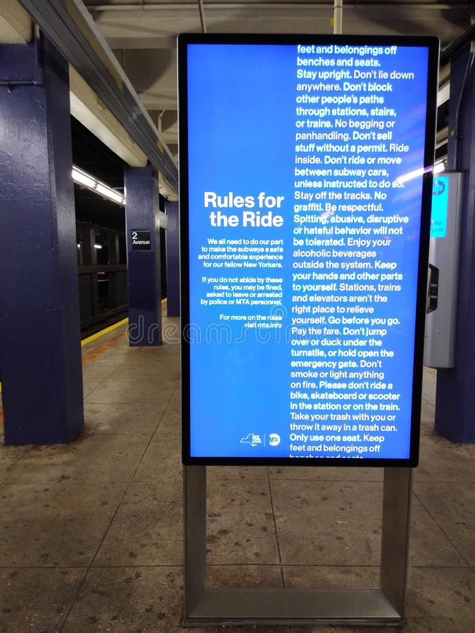NYC Transit, MTA, Rules for the Ride, Subway Platform, 2nd Avenue, Manhattan, NYC, USA royaltyfria foton