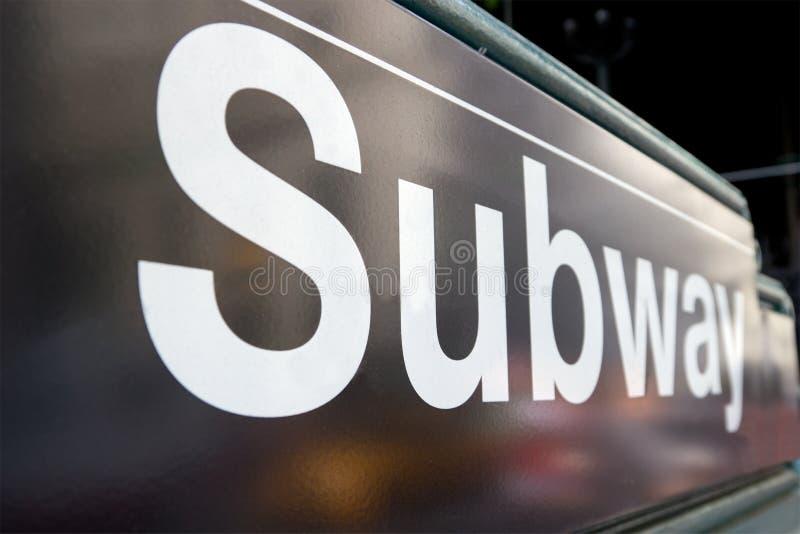 NYC Untergrundbahn-Zeichen lizenzfreie stockfotos
