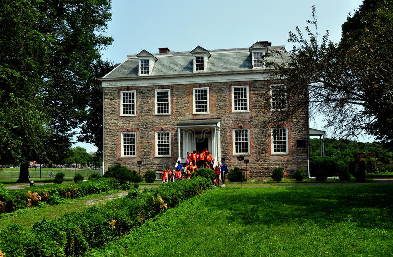 NYC: Van Cortlandt Manor House Museum 1748 royaltyfria bilder