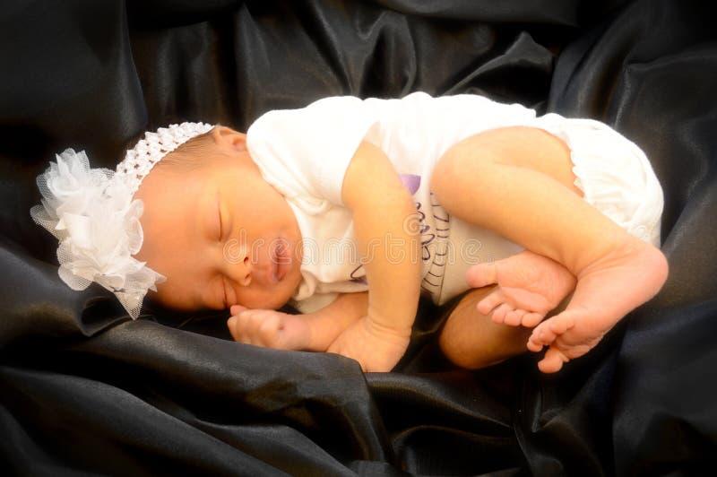 Nyfödd baby Girl arkivbilder