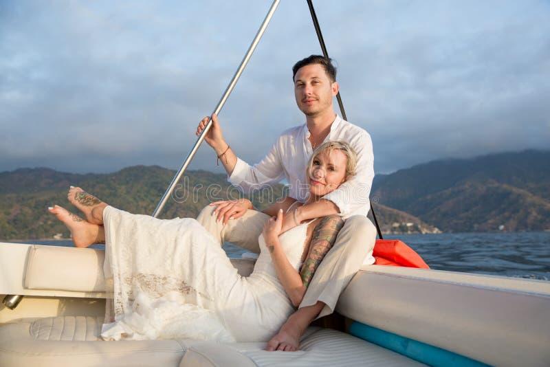 Nygifta personer i Puerto Vallarta, Mexico royaltyfri foto