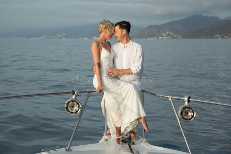 Nygifta personer i Puerto Vallarta, Mexico arkivfoto