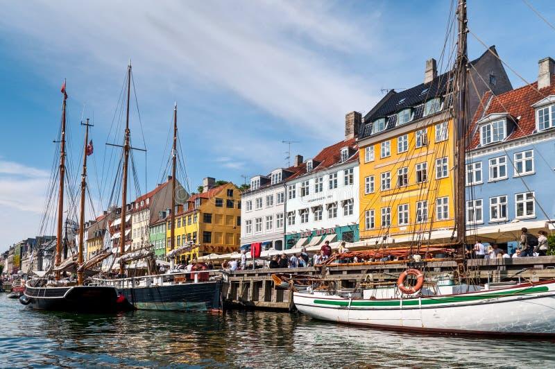 Nyhaven-Ufer Kopenhagen, Dänemark lizenzfreie stockbilder