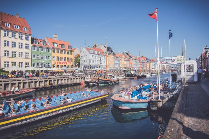 Nyhavn江边,哥本哈根,丹麦 库存图片
