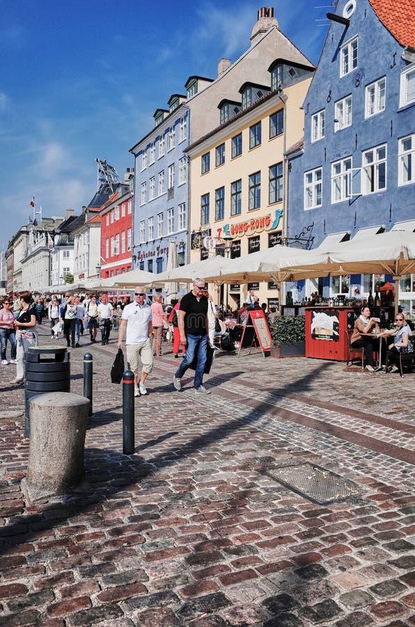 Nyhavn È un lungomare, un canale e un distretto del XVII secolo di spettacolo a Copenhaghen, Danimarca fotografia stock libera da diritti