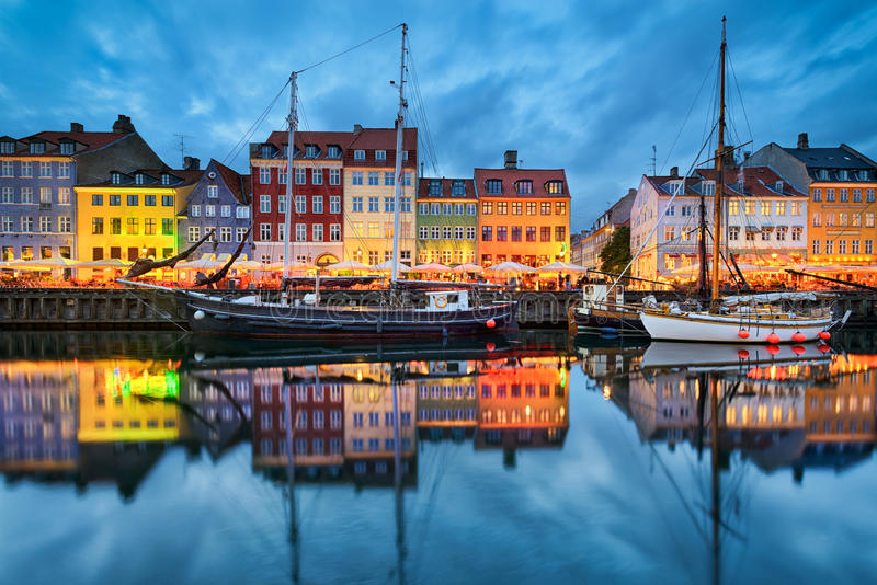 Nyhavn em Copenhaga, Dinamarca imagem de stock