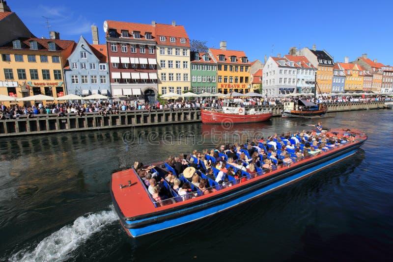 Nyhavn in Kopenhagen, Dänemark lizenzfreie stockfotos
