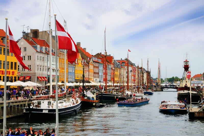 Nyhavn, nuovo porto, Copenhaghen, Danimarca fotografia stock libera da diritti