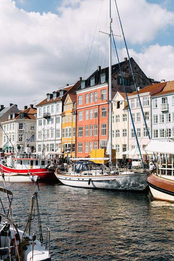Nyhavnhaven op een warme de zomerdag royalty-vrije stock afbeeldingen