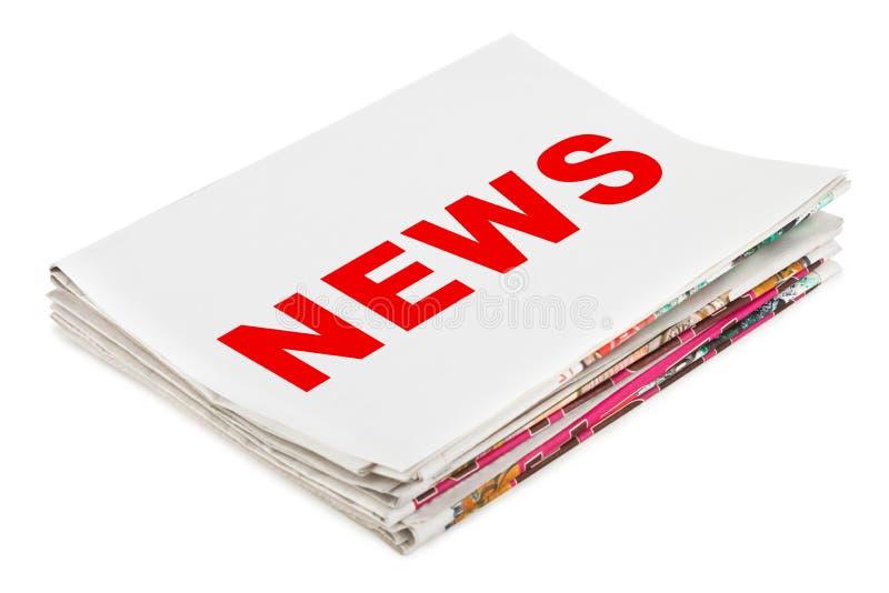 nyheternatidningsbunt arkivfoto