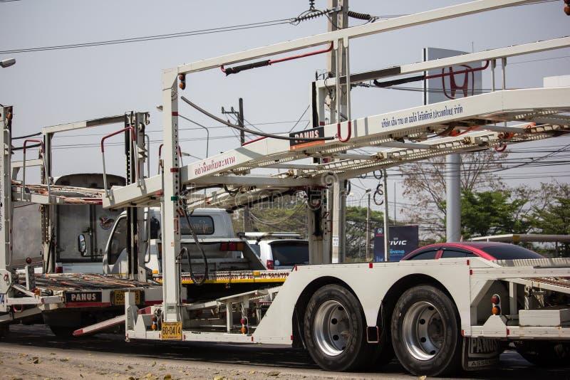 NYK-de Vrachtwagen van de drageraanhangwagen voor Honda-auto stock afbeeldingen