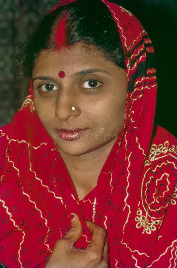 Nyligen gift jaisalmer rajasthan Indien för unga kvinnor royaltyfri foto