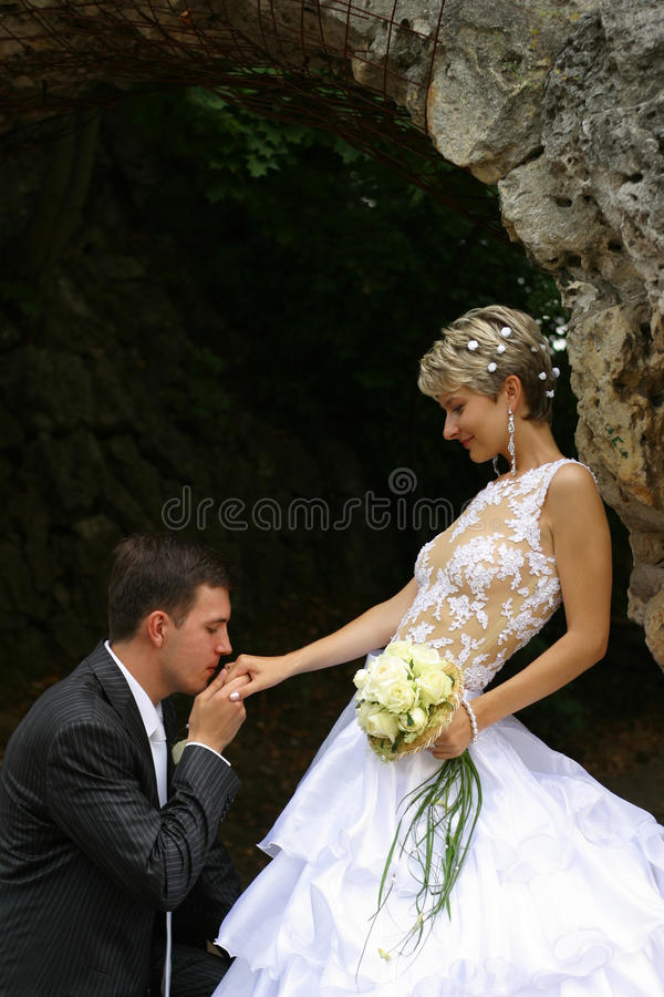 Nyligen gifta par fotografering för bildbyråer