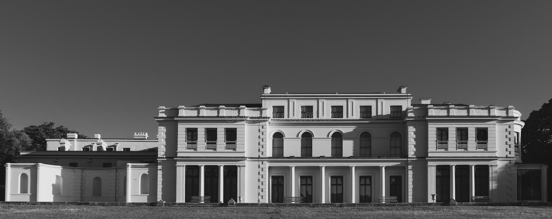 Nyligen renoverade Gunnersbury parkerar och museet på det Gunnersbury godset som ägas en gång av den Rothschild familjen, London  arkivfoto