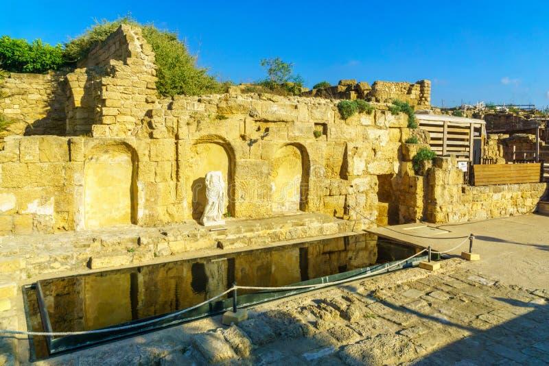Nymphaeum, fuente de la era de Roma, en el parque nacional de Caesarea fotos de archivo libres de regalías