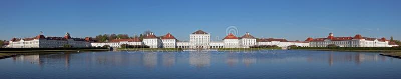 Nymphenburg城堡全景在慕尼黑 免版税库存图片