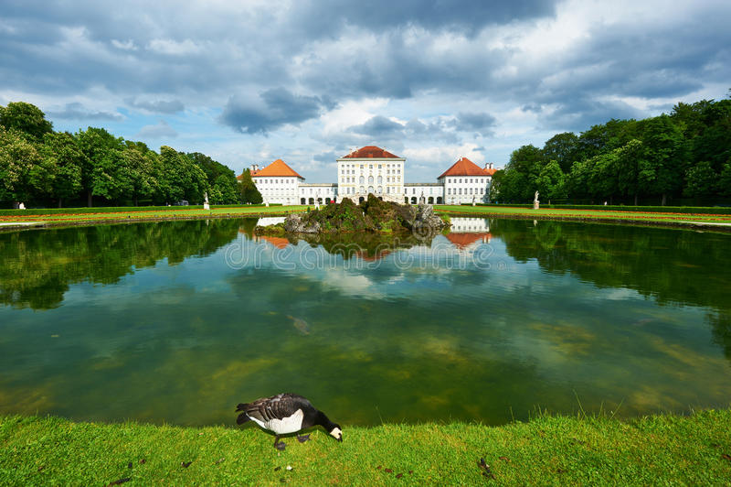 Nymphenburg城堡的,慕尼黑公园 免版税图库摄影