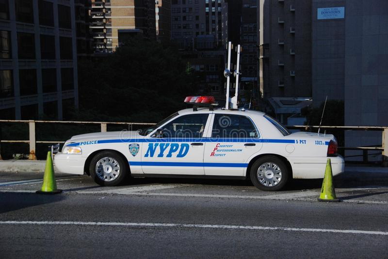 Download NYPD Car On Brooklyn Bridge Editorial Photo - Image: 20313626